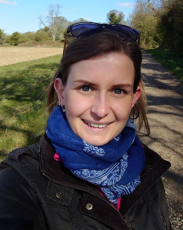 Sarah Harris profile photos